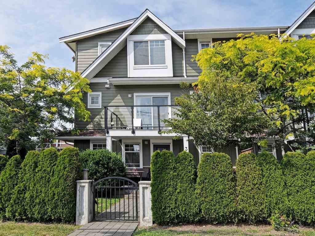 Main Photo: 3 2183 PRAIRIE Avenue in Port Coquitlam: Glenwood PQ Townhouse for sale : MLS®# R2392891