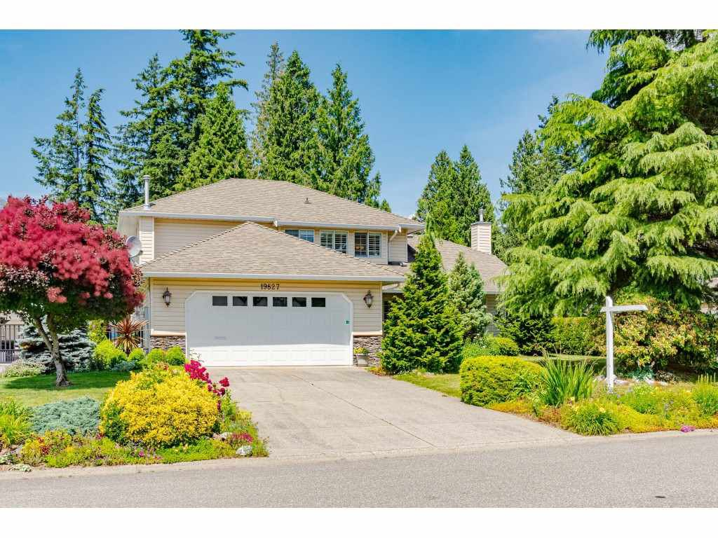 """Main Photo: 19827 34A Avenue in Langley: Brookswood Langley House for sale in """"Meadowbrook"""" : MLS®# R2469131"""