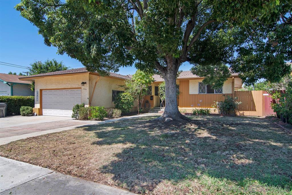 Main Photo: LA MESA House for sale : 4 bedrooms : 3850 Shirlene Pl