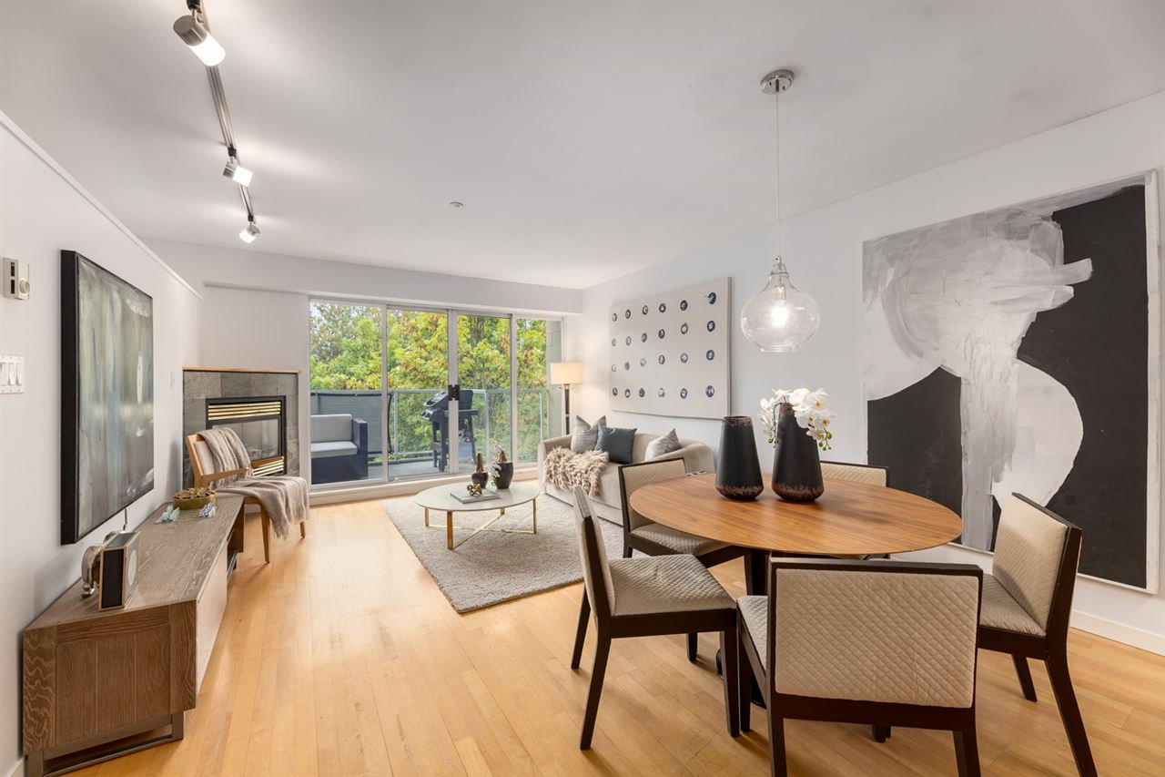 "Main Photo: 301 2522 WATERLOO Street in Vancouver: Kitsilano Condo for sale in ""Waterloo Flats"" (Vancouver West)  : MLS®# R2497623"
