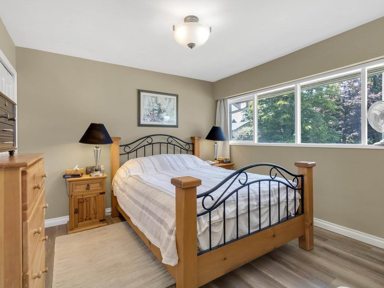 Photo 12: Photos: 943 GATENSBURY Street in Coquitlam: Harbour Chines House for sale : MLS®# R2499202