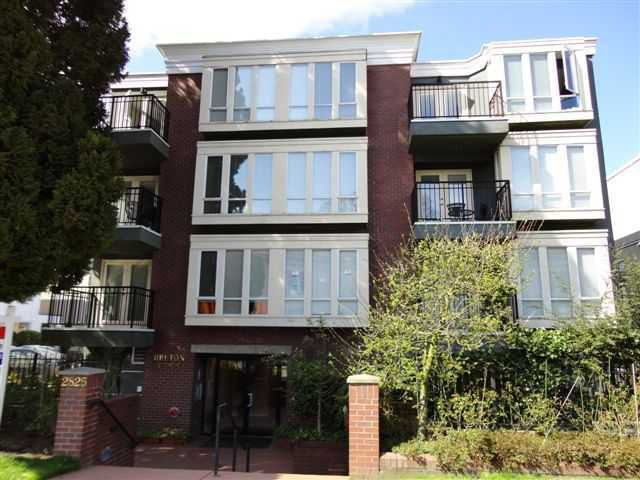 "Main Photo: # 202 2825 ALDER ST in Vancouver: Fairview VW Condo for sale in ""BRETON MEWS"" (Vancouver West)  : MLS®# V890236"