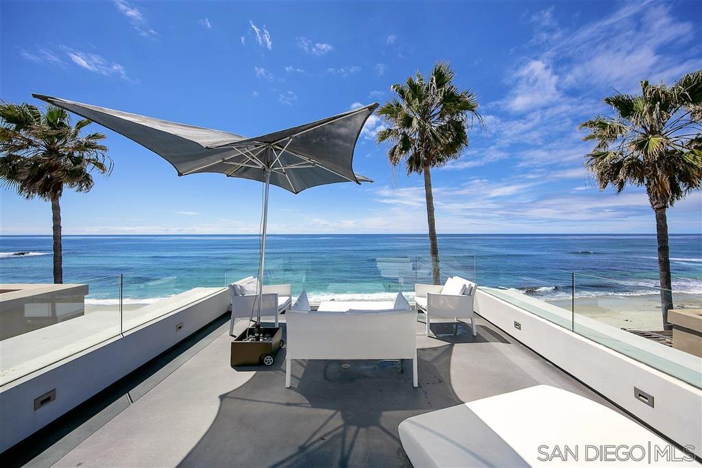 Main Photo: LA JOLLA House for sale : 4 bedrooms : 6669 Neptune Pl.
