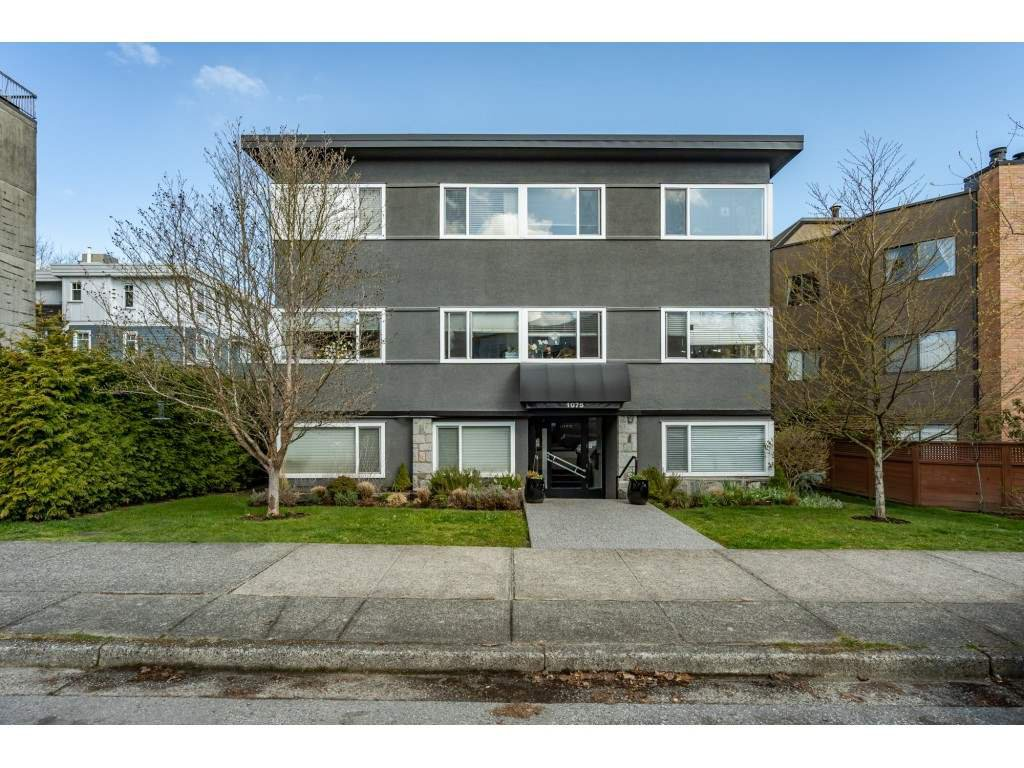 Main Photo: 104 1075 W 13TH Avenue in Vancouver: Fairview VW Condo for sale (Vancouver West)  : MLS®# R2447106