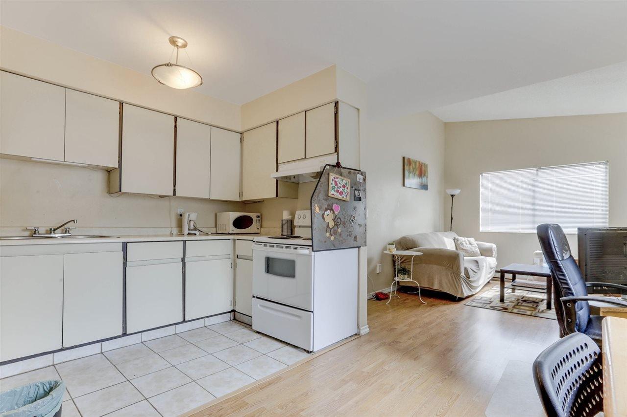 Photo 5: Photos: 207 1948 COQUITLAM Avenue in Port Coquitlam: Glenwood PQ Condo for sale : MLS®# R2475577