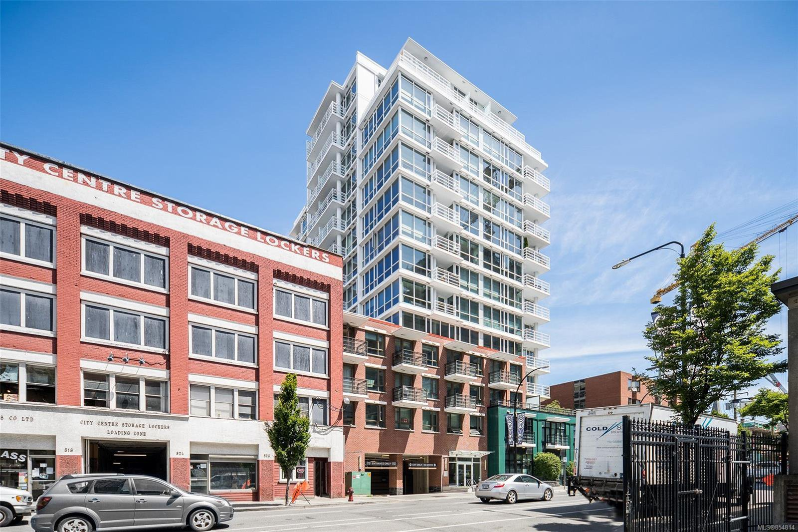 Main Photo: 1008 834 Johnson St in : Vi Downtown Condo for sale (Victoria)  : MLS®# 854814
