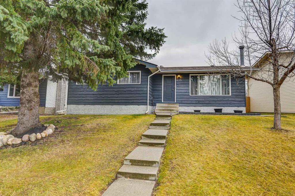 Welcome to 635 Sierra Cr SW  on a quiet Cul-de-sac only a short walk to Schools, Playgrounds, Shopping and LRT.