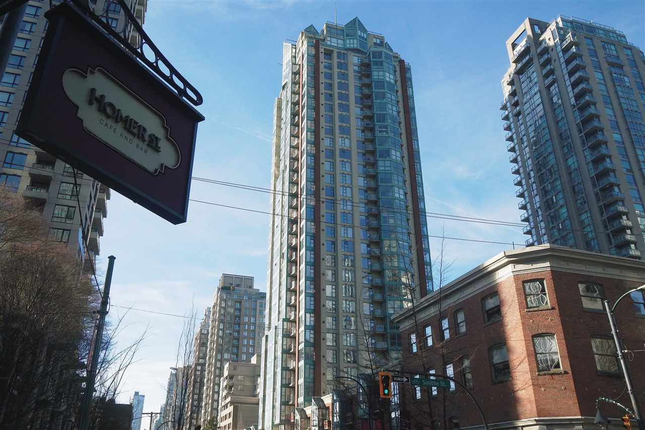 """Main Photo: 1110 939 HOMER Street in Vancouver: Yaletown Condo for sale in """"The Pinnacle"""" (Vancouver West)  : MLS®# R2520991"""