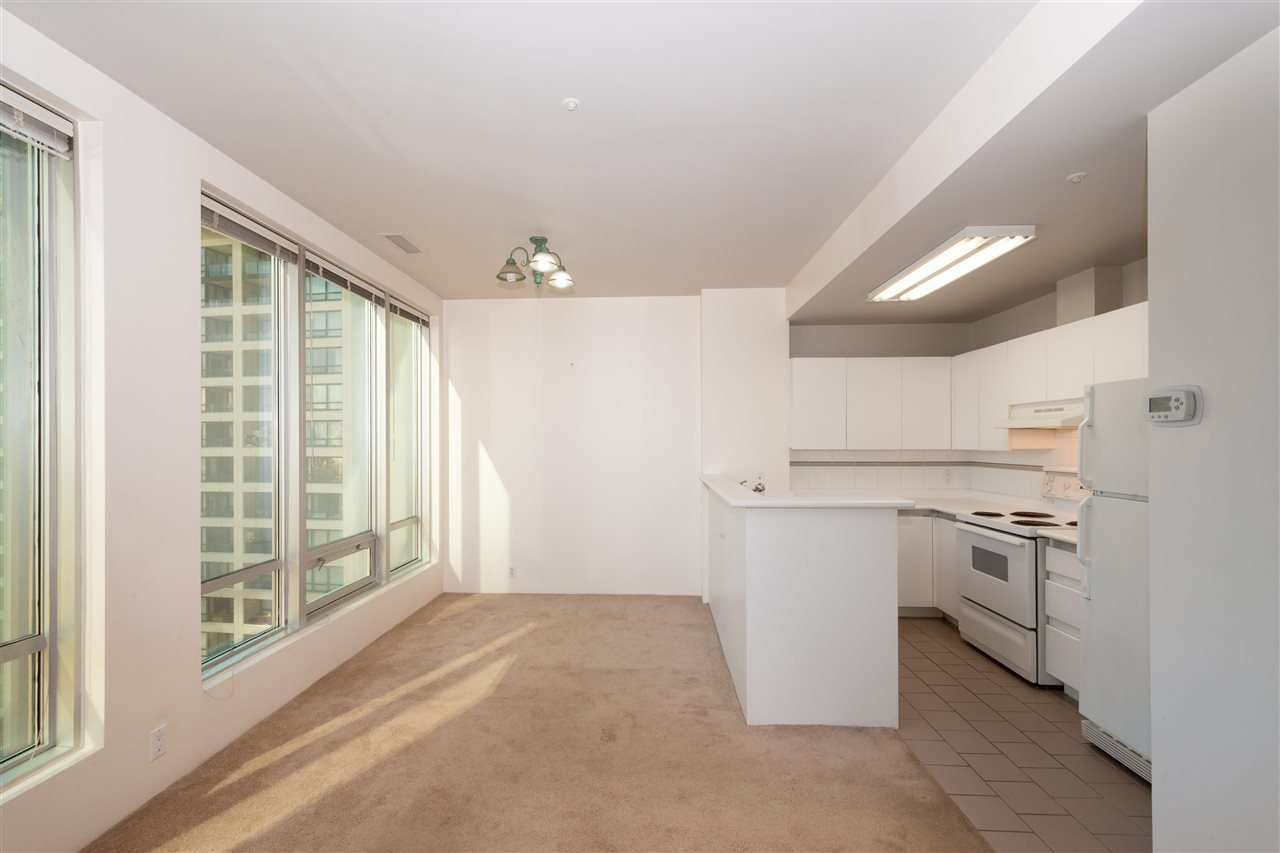 """Photo 4: Photos: 810 989 NELSON Street in Vancouver: Downtown VW Condo for sale in """"ELECTRA"""" (Vancouver West)  : MLS®# R2409945"""