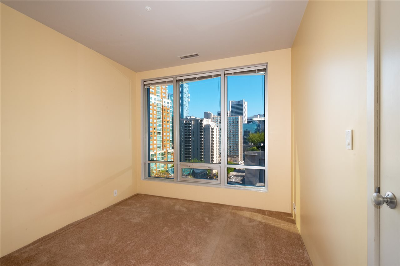 """Photo 12: Photos: 810 989 NELSON Street in Vancouver: Downtown VW Condo for sale in """"ELECTRA"""" (Vancouver West)  : MLS®# R2409945"""