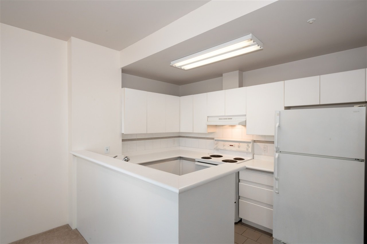 """Photo 6: Photos: 810 989 NELSON Street in Vancouver: Downtown VW Condo for sale in """"ELECTRA"""" (Vancouver West)  : MLS®# R2409945"""