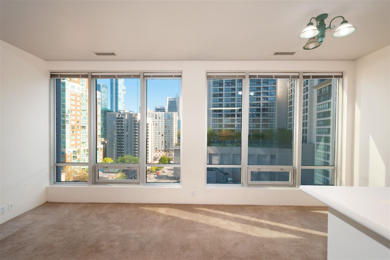 """Photo 3: Photos: 810 989 NELSON Street in Vancouver: Downtown VW Condo for sale in """"ELECTRA"""" (Vancouver West)  : MLS®# R2409945"""