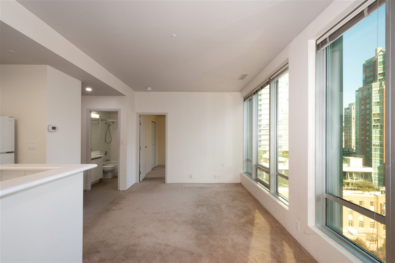 """Photo 10: Photos: 810 989 NELSON Street in Vancouver: Downtown VW Condo for sale in """"ELECTRA"""" (Vancouver West)  : MLS®# R2409945"""