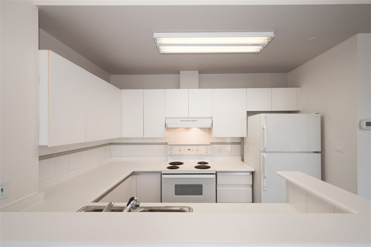 """Photo 9: Photos: 810 989 NELSON Street in Vancouver: Downtown VW Condo for sale in """"ELECTRA"""" (Vancouver West)  : MLS®# R2409945"""