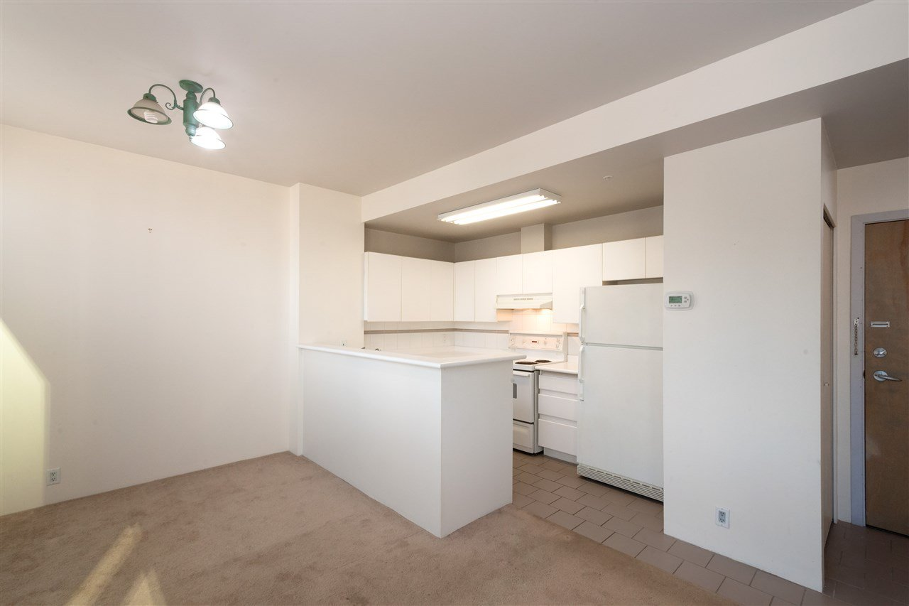 """Photo 5: Photos: 810 989 NELSON Street in Vancouver: Downtown VW Condo for sale in """"ELECTRA"""" (Vancouver West)  : MLS®# R2409945"""