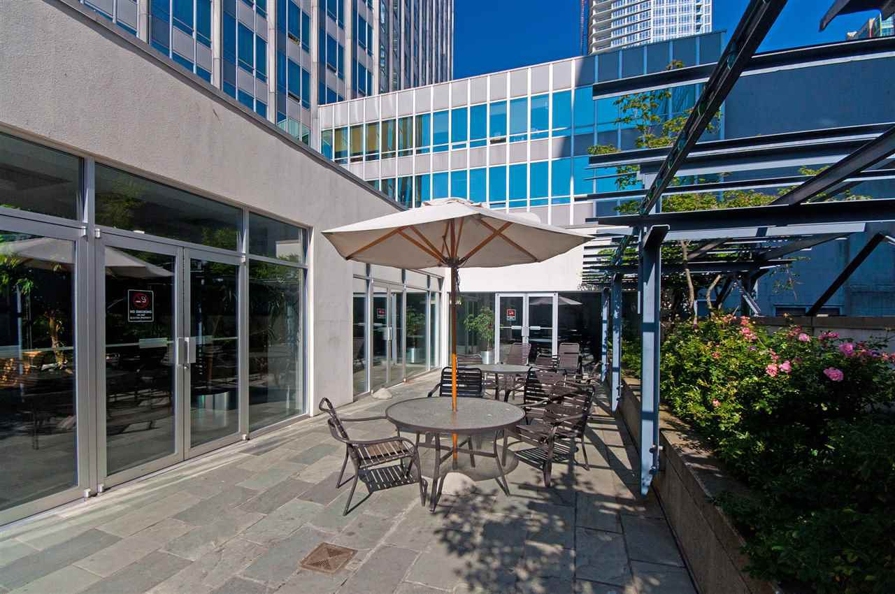 """Photo 17: Photos: 810 989 NELSON Street in Vancouver: Downtown VW Condo for sale in """"ELECTRA"""" (Vancouver West)  : MLS®# R2409945"""