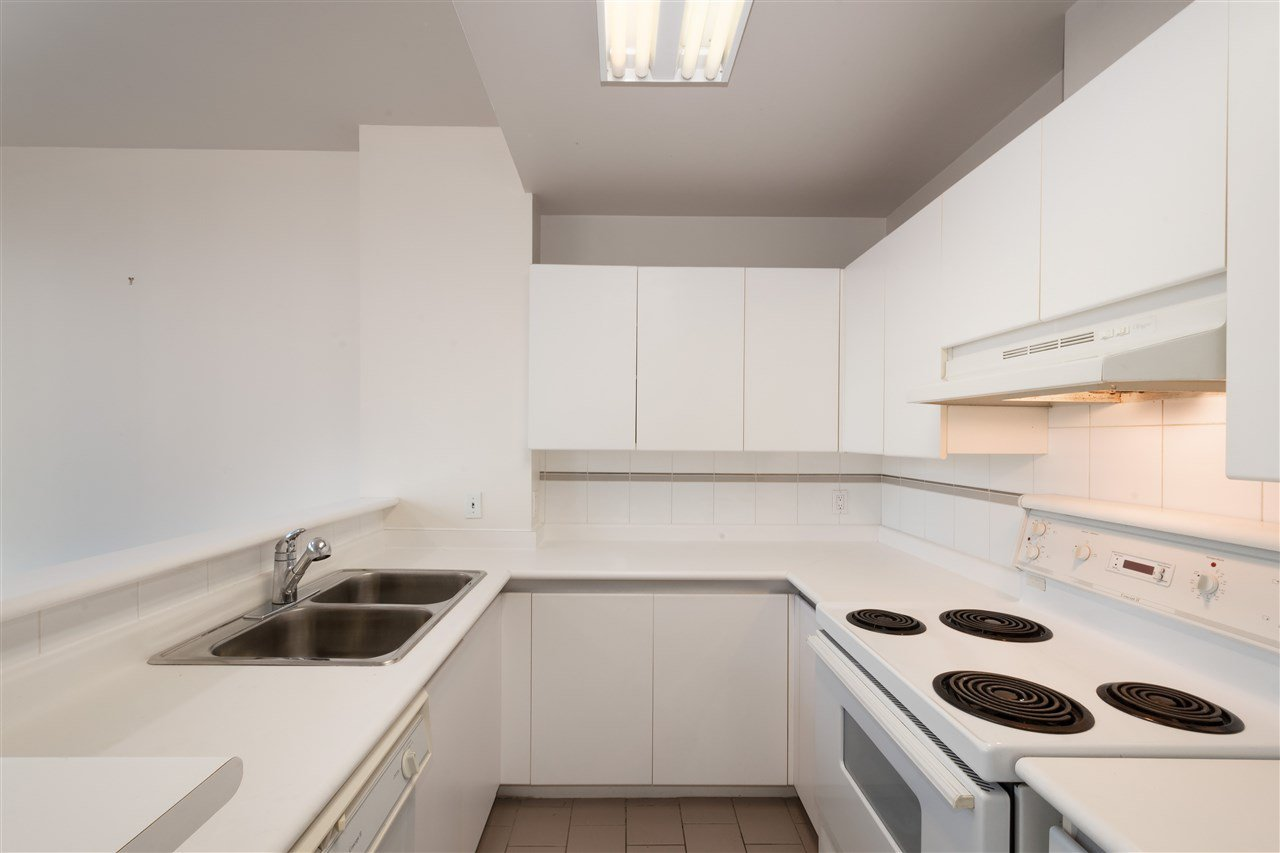 """Photo 8: Photos: 810 989 NELSON Street in Vancouver: Downtown VW Condo for sale in """"ELECTRA"""" (Vancouver West)  : MLS®# R2409945"""
