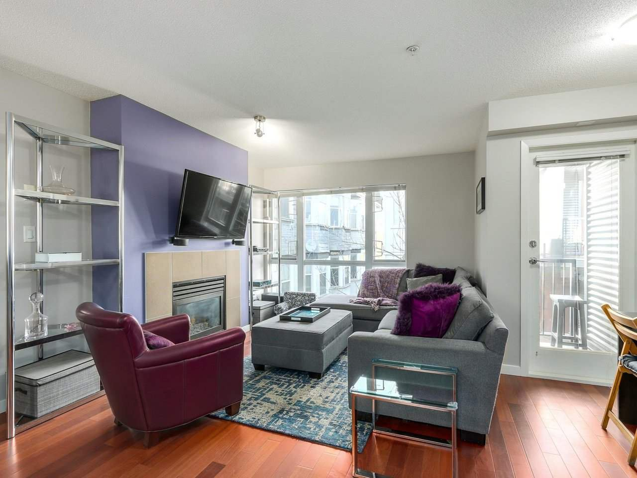 Photo 4: Photos: 119 672 W 6TH AVENUE in Vancouver: Fairview VW Townhouse for sale (Vancouver West)  : MLS®# R2401186