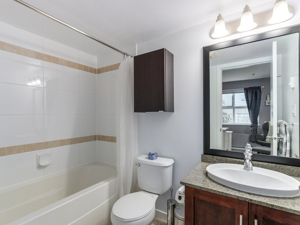 Photo 17: Photos: 119 672 W 6TH AVENUE in Vancouver: Fairview VW Townhouse for sale (Vancouver West)  : MLS®# R2401186