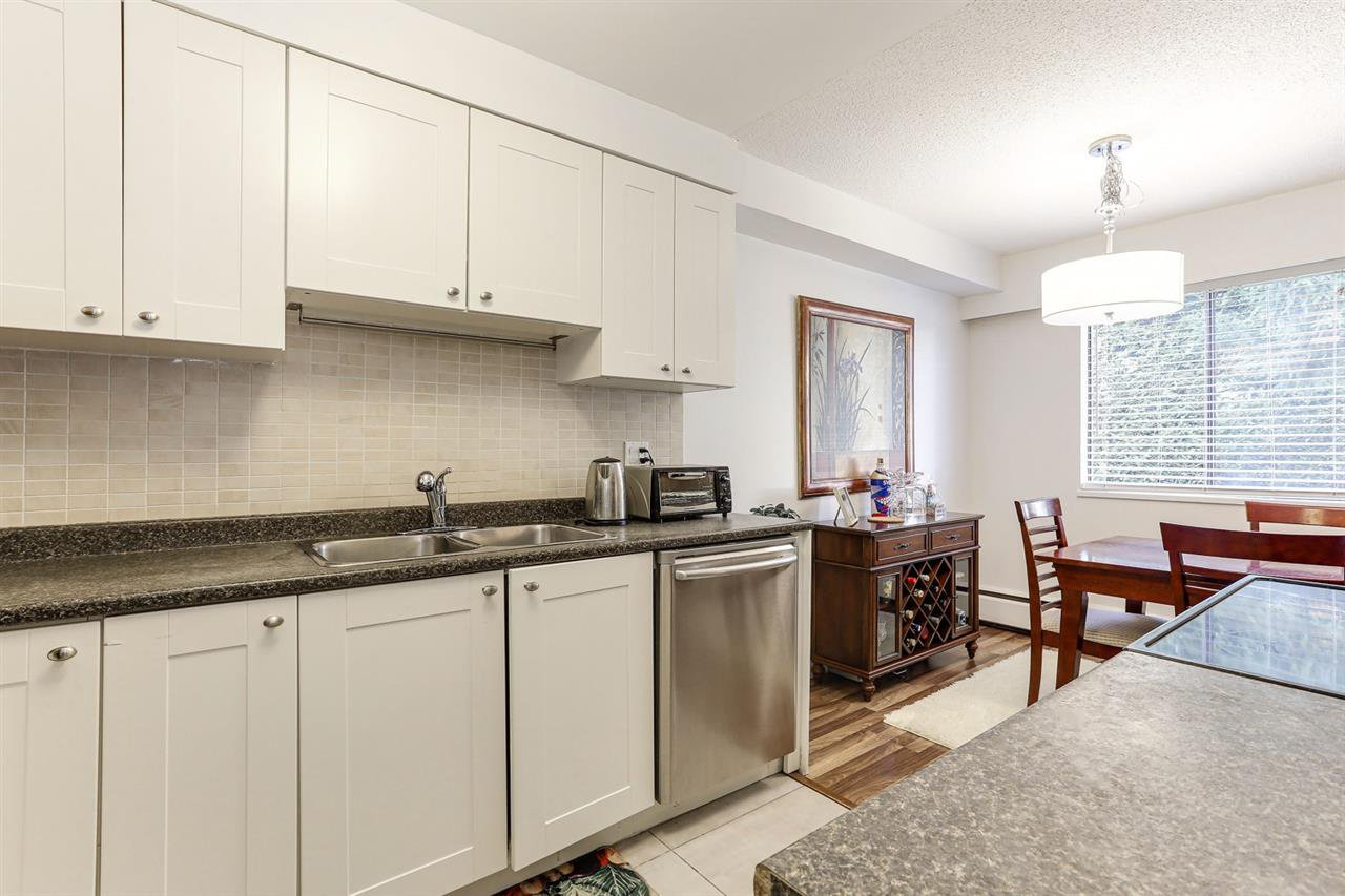 """Photo 11: Photos: 101 515 ELEVENTH Street in New Westminster: Uptown NW Condo for sale in """"MAGNOLIA MANOR"""" : MLS®# R2437136"""