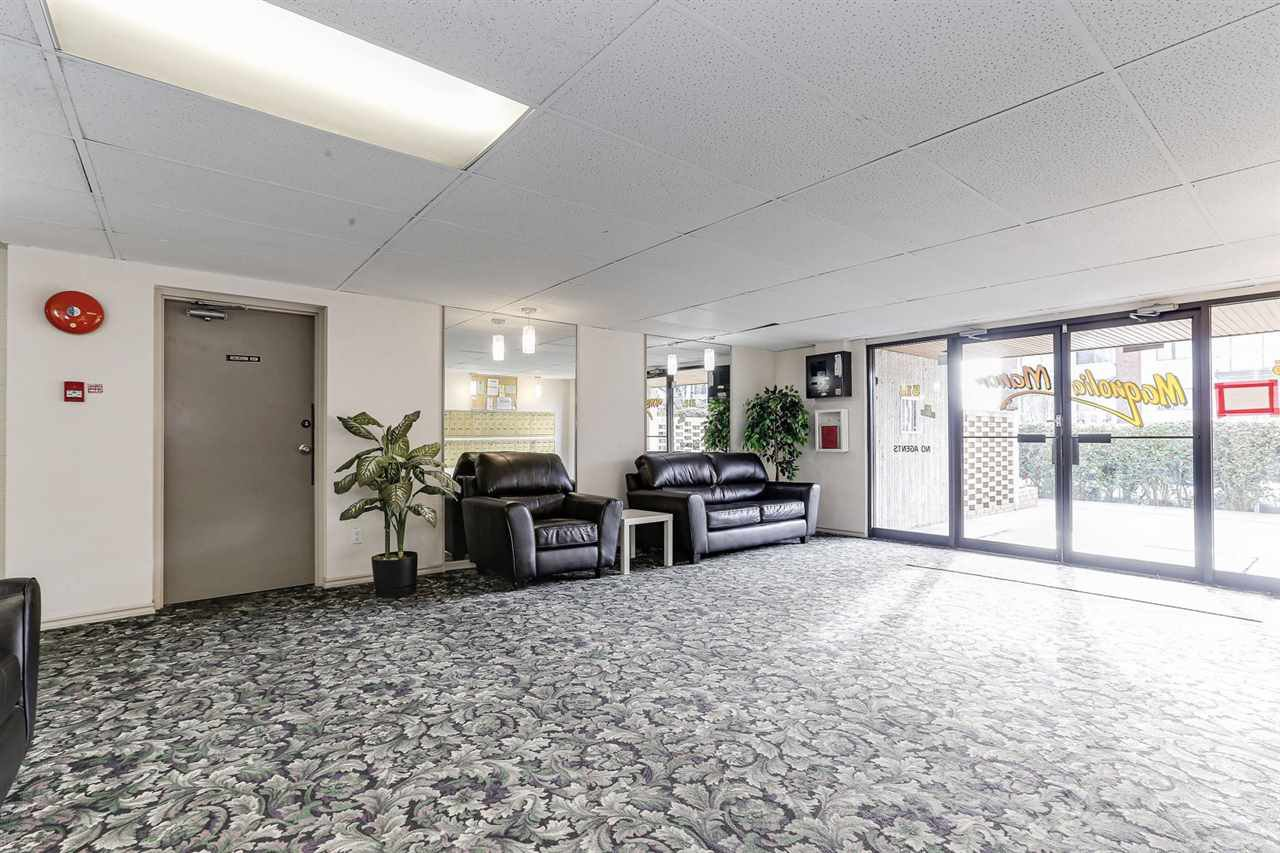 """Photo 3: Photos: 101 515 ELEVENTH Street in New Westminster: Uptown NW Condo for sale in """"MAGNOLIA MANOR"""" : MLS®# R2437136"""