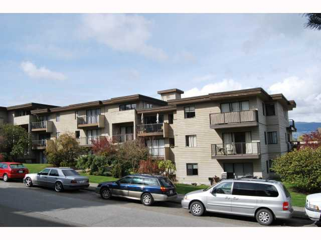 "Photo 2: Photos: # 105 2125 W 2ND AV in Vancouver: Kitsilano Condo for sale in ""SUNNY LODGE"" (Vancouver West)  : MLS®# V819705"