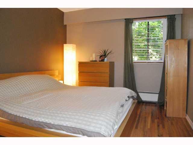 "Photo 7: Photos: # 105 2125 W 2ND AV in Vancouver: Kitsilano Condo for sale in ""SUNNY LODGE"" (Vancouver West)  : MLS®# V819705"