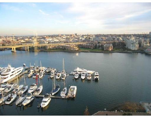 Main Photo: # 1902 1228 MARINASIDE CR in Vancouver: Yaletown Condo for sale (Vancouver West)  : MLS®# V697798