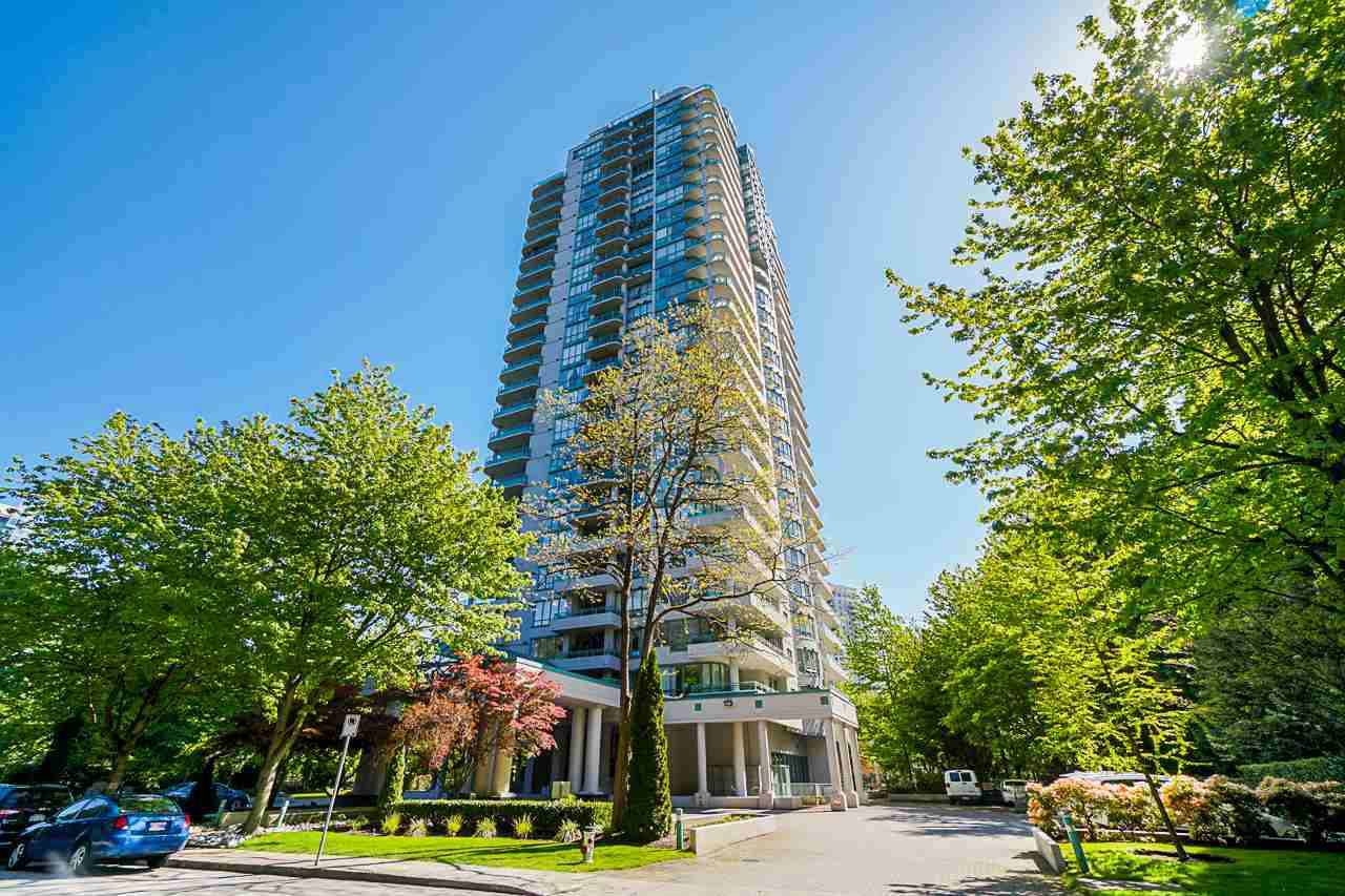 "Main Photo: 10E 6128 PATTERSON Avenue in Burnaby: Metrotown Condo for sale in ""Grand Central Park Place"" (Burnaby South)  : MLS®# R2454140"