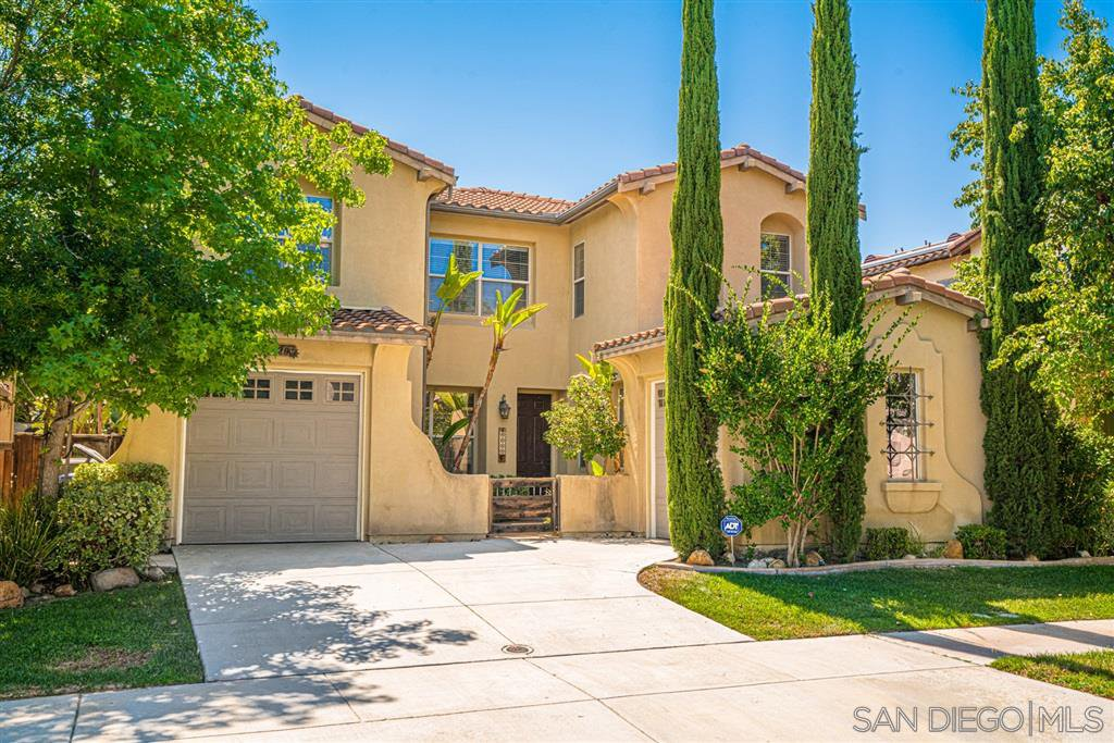 Main Photo: CHULA VISTA House for sale : 5 bedrooms : 1620 Picket Fence Drive