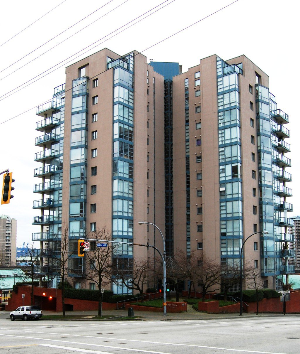 "Main Photo: # 402 - 98 Tenth Street in New Westminster: Downtown NW Condo for sale in ""Plaza Pointe"""