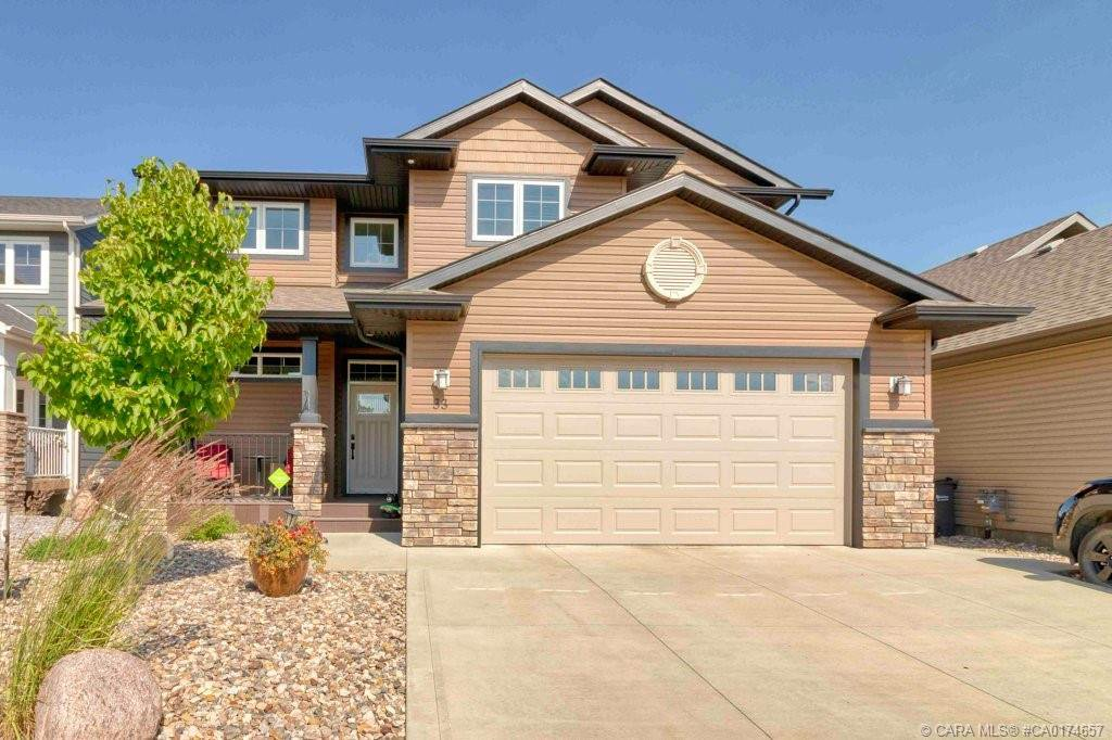 Main Photo: 33 Sisson Avenue in Red Deer: Sunnybrook South Residential for sale : MLS®# CA0174657