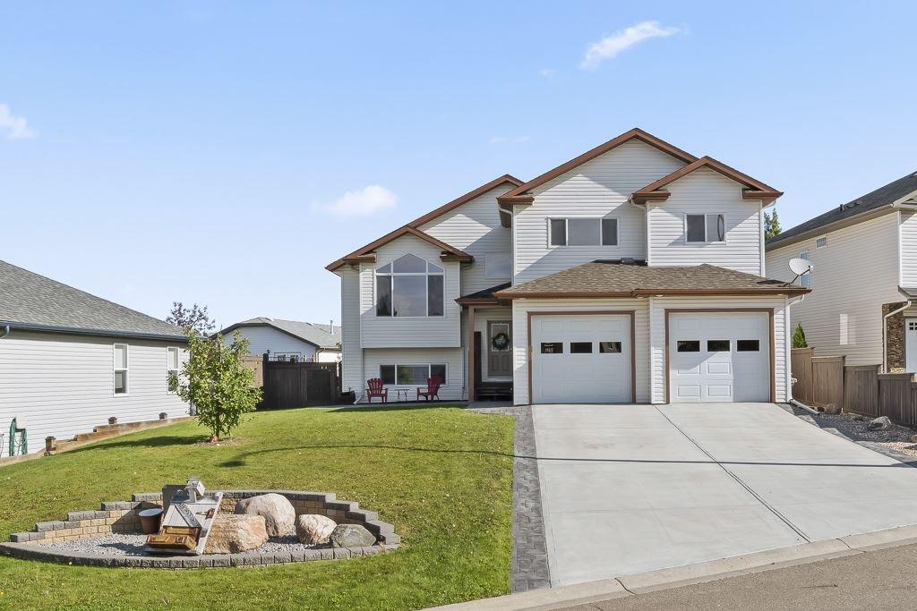 Main Photo: 2013 7 Avenue: Cold Lake House for sale : MLS®# E4171992