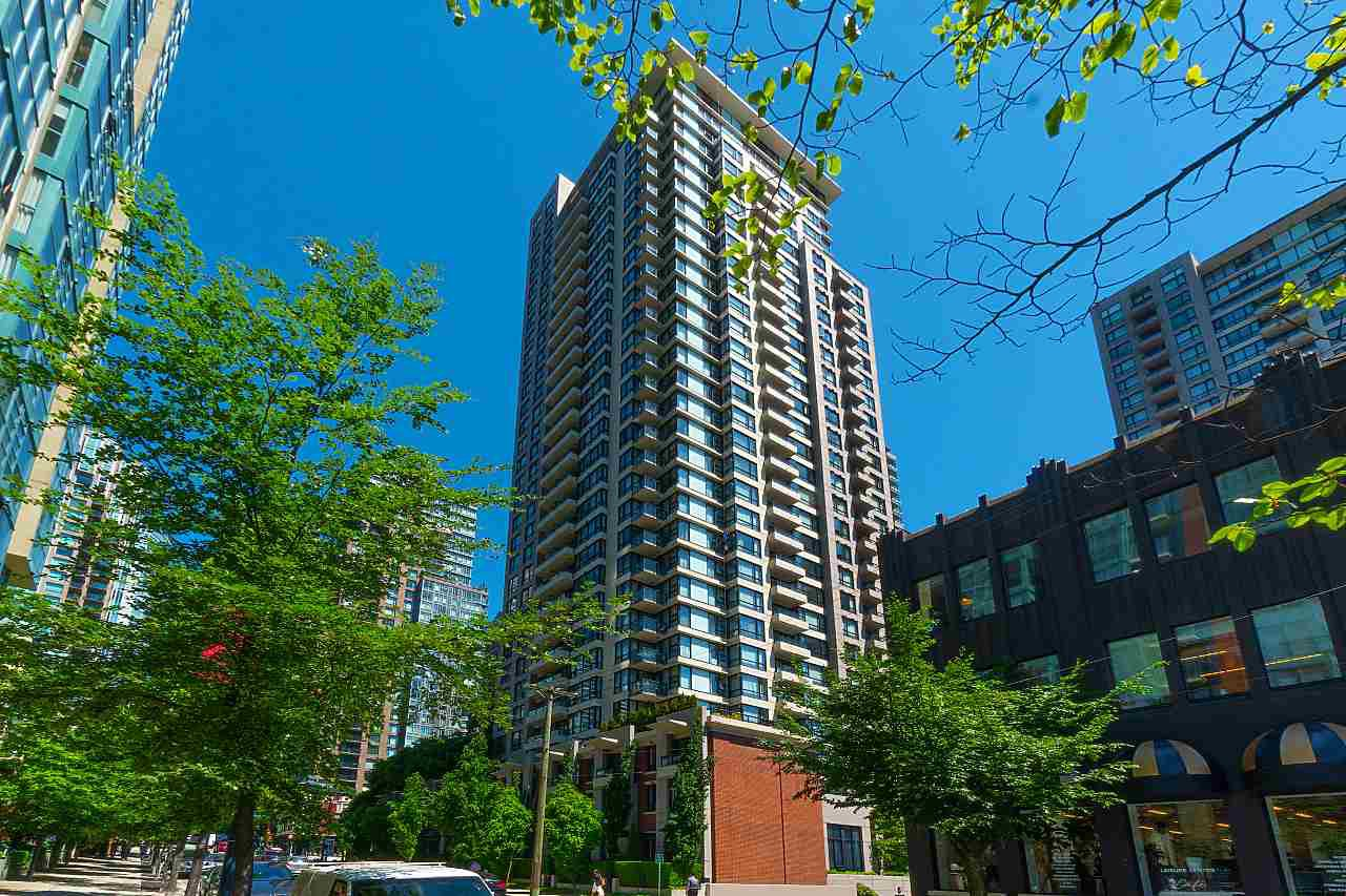 "Main Photo: 710 928 HOMER Street in Vancouver: Yaletown Condo for sale in ""YALETOWN PARK 1"" (Vancouver West)  : MLS®# R2429120"
