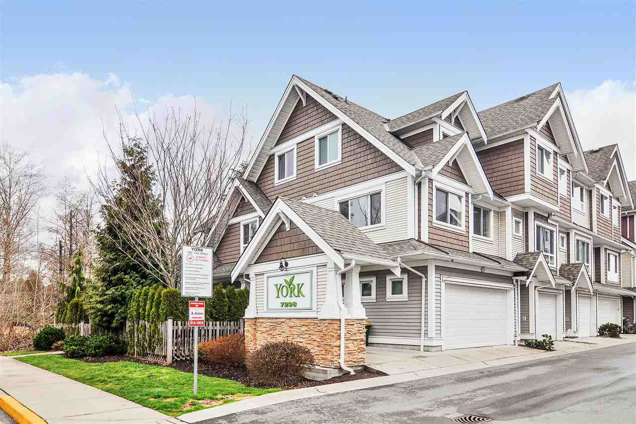 """Main Photo: 1 7298 199A Street in Langley: Willoughby Heights Townhouse for sale in """"York"""" : MLS®# R2513657"""