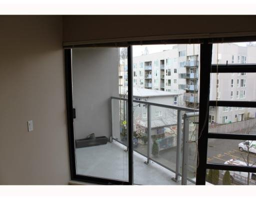 "Photo 6: Photos: # 409 2228 MARSTRAND AV in Vancouver: Condo for sale in ""Solo"" : MLS®# V817305"