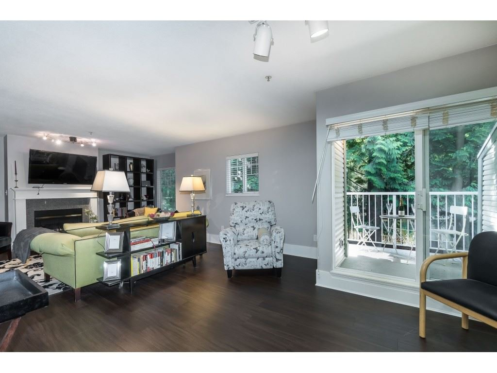 """Photo 9: Photos: 76 8892 208 Street in Langley: Walnut Grove Townhouse for sale in """"Hunter's Run"""" : MLS®# R2466617"""