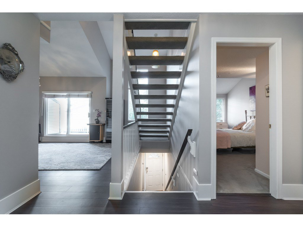 """Photo 3: Photos: 76 8892 208 Street in Langley: Walnut Grove Townhouse for sale in """"Hunter's Run"""" : MLS®# R2466617"""