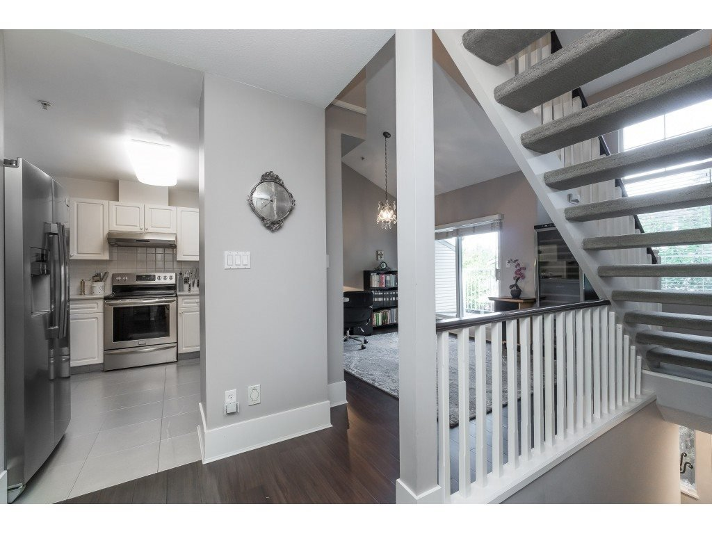 """Photo 4: Photos: 76 8892 208 Street in Langley: Walnut Grove Townhouse for sale in """"Hunter's Run"""" : MLS®# R2466617"""