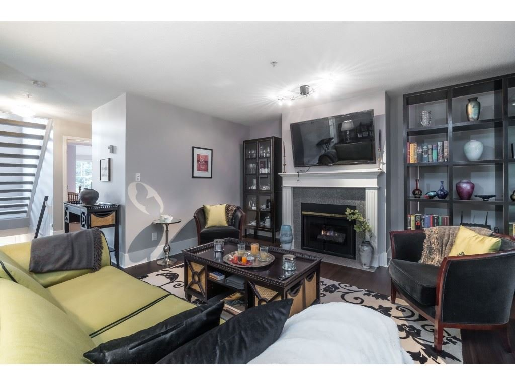 """Photo 7: Photos: 76 8892 208 Street in Langley: Walnut Grove Townhouse for sale in """"Hunter's Run"""" : MLS®# R2466617"""