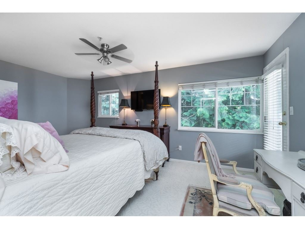 """Photo 14: Photos: 76 8892 208 Street in Langley: Walnut Grove Townhouse for sale in """"Hunter's Run"""" : MLS®# R2466617"""