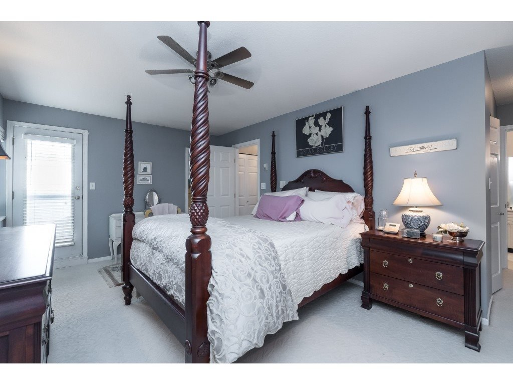 """Photo 15: Photos: 76 8892 208 Street in Langley: Walnut Grove Townhouse for sale in """"Hunter's Run"""" : MLS®# R2466617"""