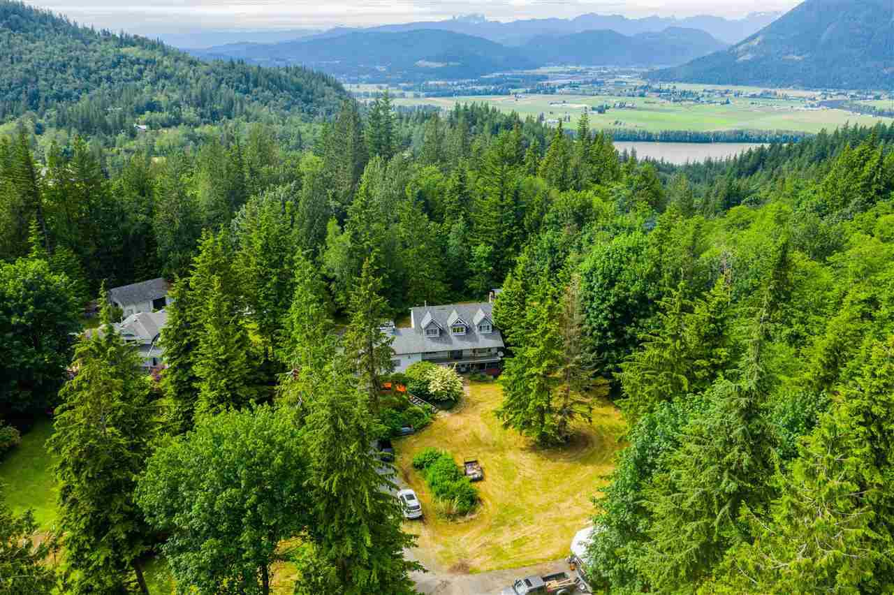 Main Photo: 37855 BAKSTAD Road in Abbotsford: Sumas Mountain House for sale : MLS®# R2470212