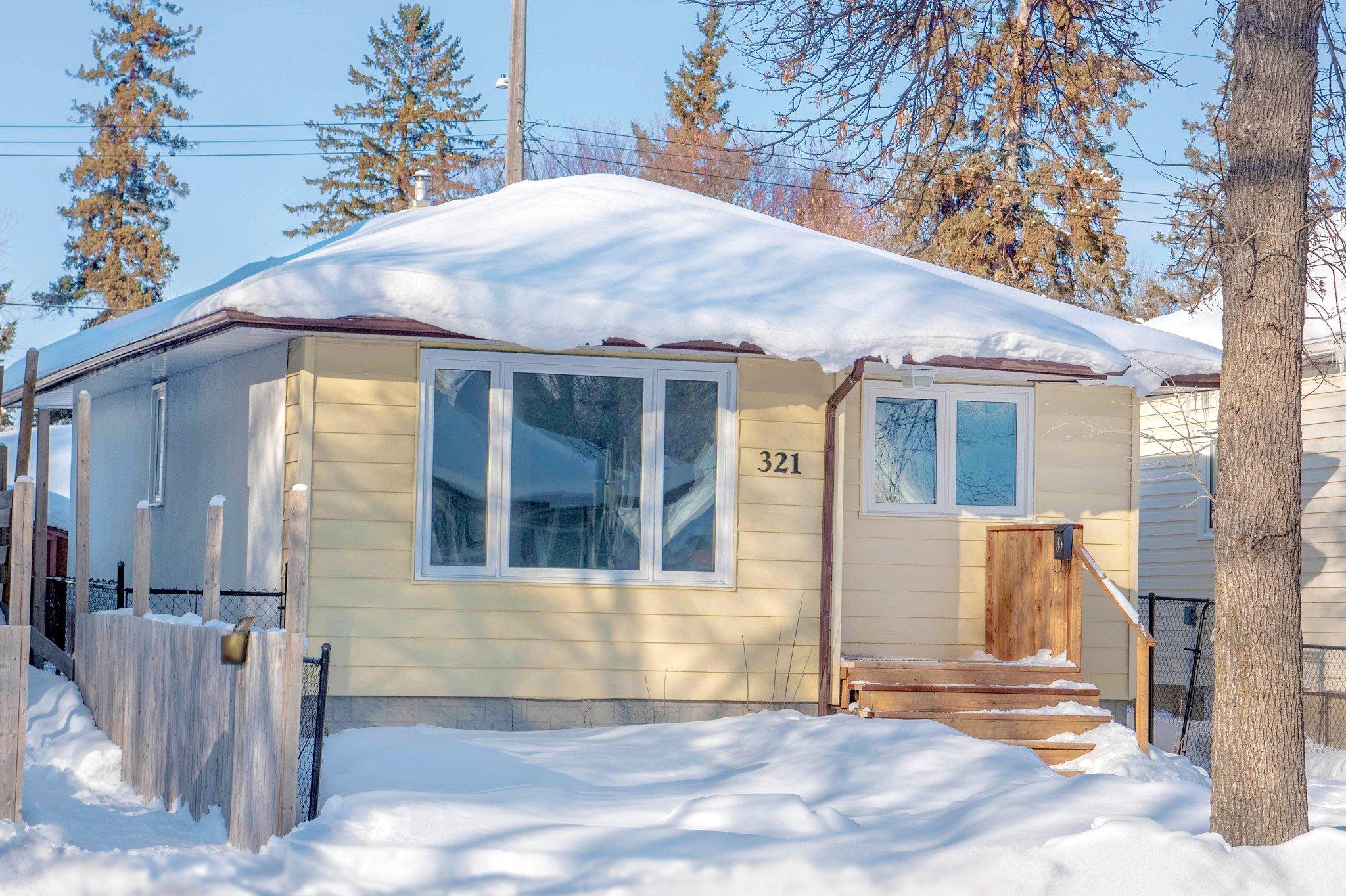 Main Photo: 321 West Rosseau Avenue in Winnipeg: West Transcona House for sale (3L)  : MLS®# 1903550