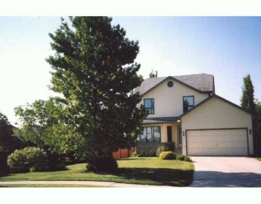 Main Photo: 15 DESJARDINS Drive in WINNIPEG: Windsor Park / Southdale / Island Lakes Single Family Detached for sale (South East Winnipeg)  : MLS®# 2704482