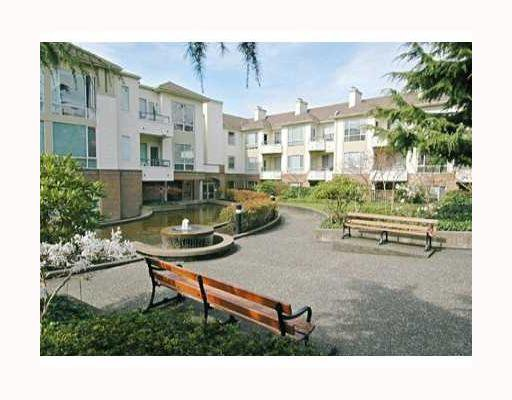 """Main Photo: 209 6742 STATION HILL Court in Burnaby: South Slope Condo for sale in """"WYNDHAM COURT"""" (Burnaby South)  : MLS®# V680898"""
