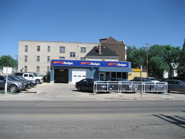 Main Photo: 593 in Winnipeg: Industrial / Commercial / Investment for sale or lease
