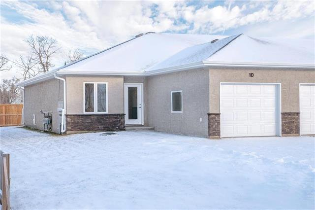 Main Photo: D 1 First Street in Tyndall: R03 Residential for sale : MLS®# 202008665