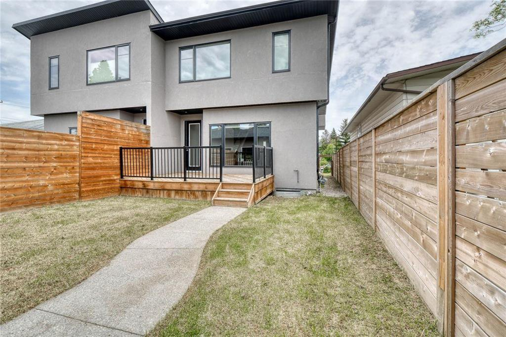 Photo 47: Photos: 911 42 Street SW in Calgary: Rosscarrock Semi Detached for sale : MLS®# C4305671