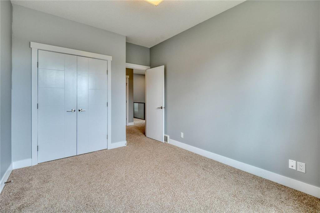 Photo 35: Photos: 911 42 Street SW in Calgary: Rosscarrock Semi Detached for sale : MLS®# C4305671